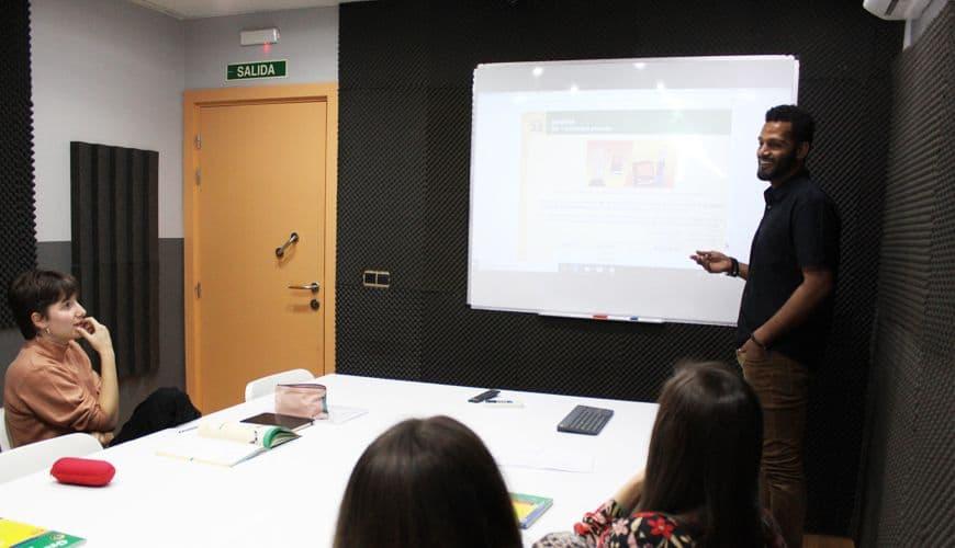 cursos-portugues-5-dias-semana-intensivo-portuguesalia
